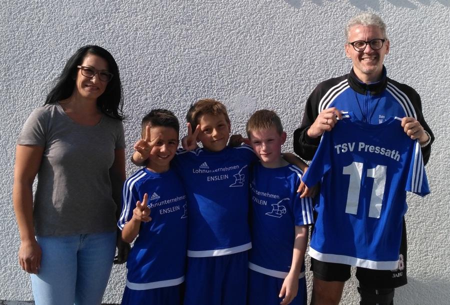 Fußball_Impressionen_Trikotspende Jugend