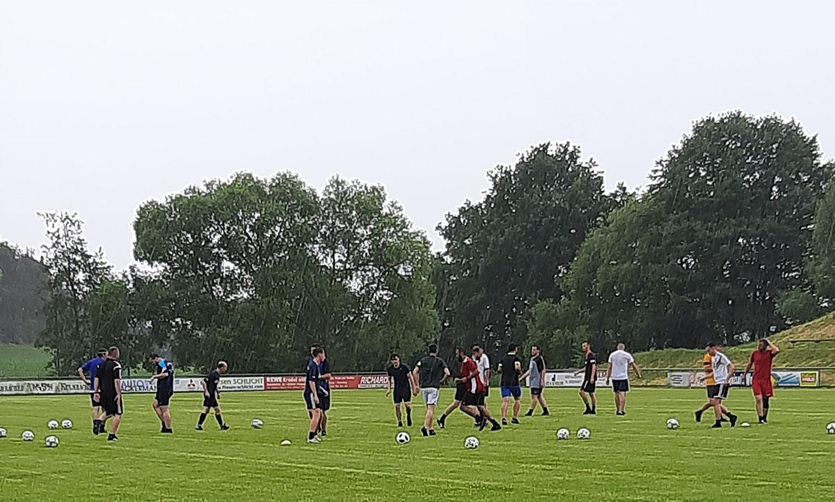 Read more about the article Beim TSV Pressath ist wieder Leben auf den Fußballplätzen